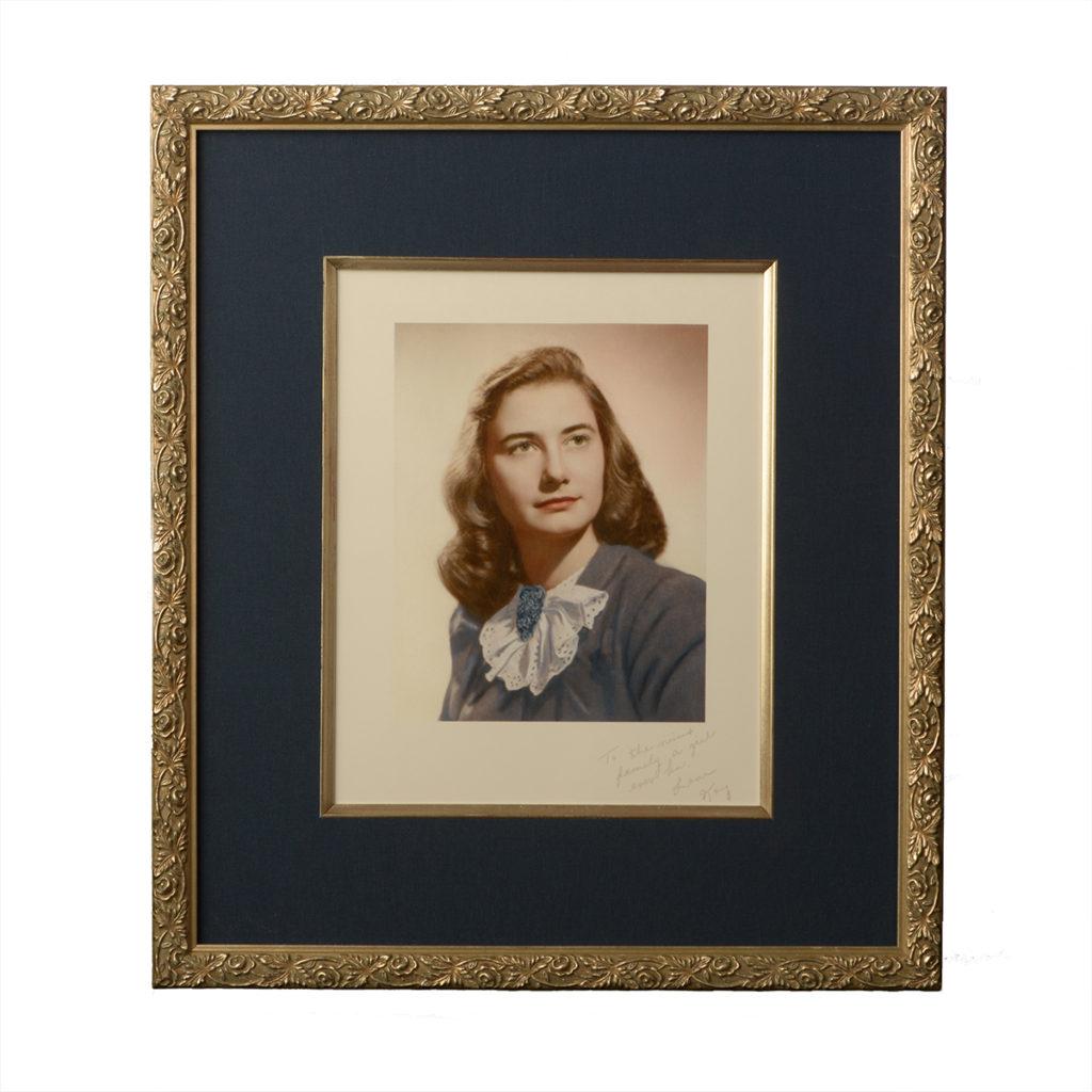 champagne frame portrait
